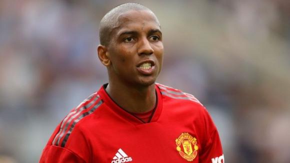 Ман Юнайтед преподписва с основен играч