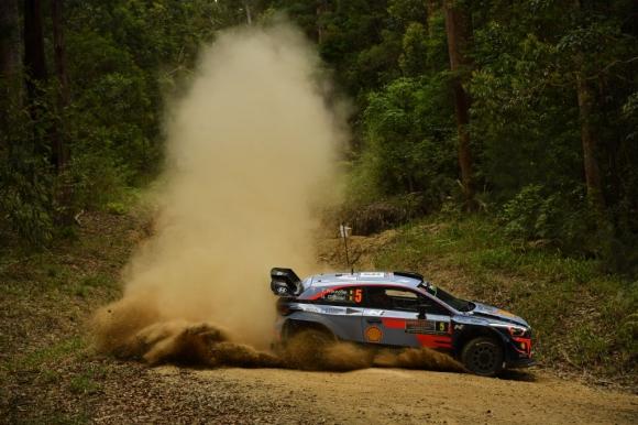 Нювил ще се бори за титлата във WRC този уикенд с двигател за 2019