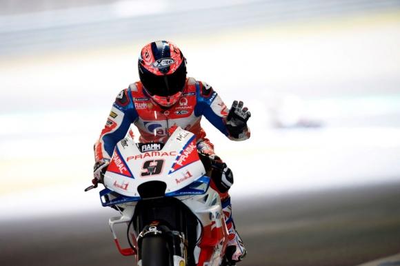 Петручи най-бърз в третата тренировка, моторът на Роси го хвърли във въздуха
