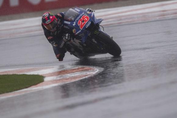 Винялес спечели полпозишън на финала на сезона в MotoGP, Маркес извади рамото...