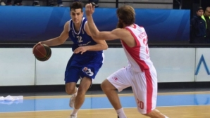 Чавдар Костов със силен мач в дербито на Скопие