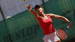 Вангелова на полуфинал на двойки в Ираклион