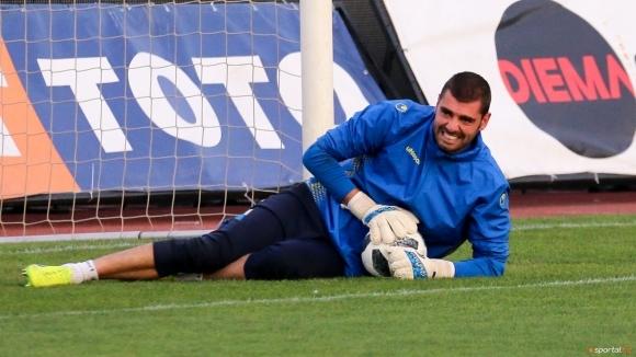 Верея взе румънски вратар преди дербито с Берое