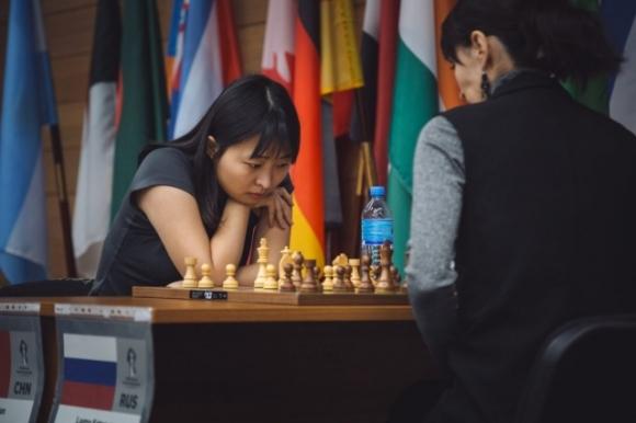 Цзю Вънцзюн защити световната си титла по шахмат