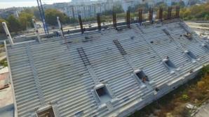 """Строежът на стадион """"Варна"""" напредва – вече има изградена трибуна"""
