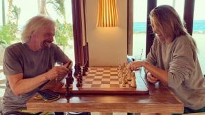 Шарапова поигра тенис и шахмат с милиардера Ричард Брансън