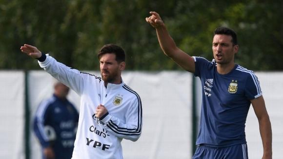Скалони остава начело на Аржентина до Копа Америка 2019