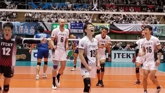 Вальо Братоев заби  27 точки, ДжейТЕКТ с драматична загуба (видео)