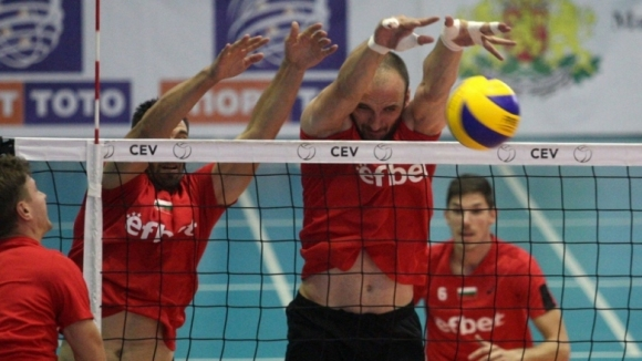Теодор Тодоров подсили шампионите от Нефтохимик