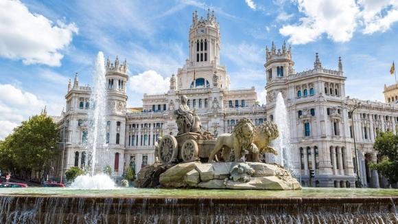 Ривър взе площада за празненства на Реал Мадрид, Бока - този на Атлетико
