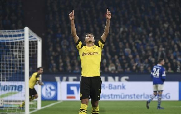 Борусия (Дортмунд) не се огъна и срещу Шалке 04 в дербито (видео)
