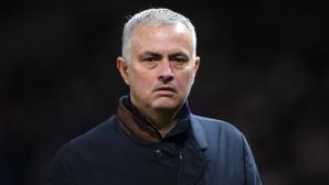 Моуриньо е в основата на проблемите на Юнайтед, категоричен е Дани Блинд
