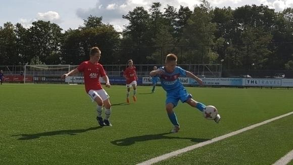 Гол и асистенция за Станислав Дюлгеров при разгромна победа на юношите на...