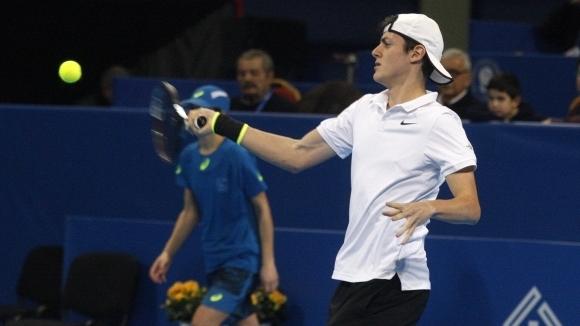 Лазаров взе само гейм на 1/2-финалите в Доха