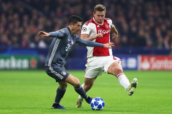 Де Лихт: В края на сезона ще реша за евентуален трансфер
