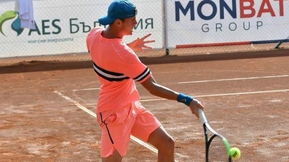 Лазаров се справи с французин и е на 1/4-финал в Доха