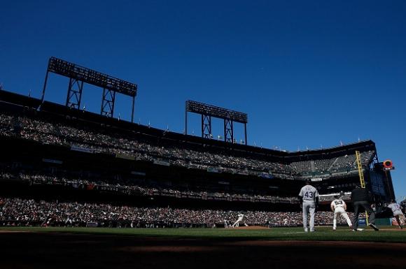 Оуклънд планират да играят на бейзболен стадион през 2019-а