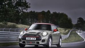 Mini представи оптимизираните John Cooper Works и John Cooper Works Cabrio
