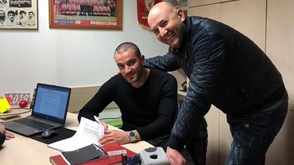 Бивш футболист на Левски и ЦСКА ще играе в Македония