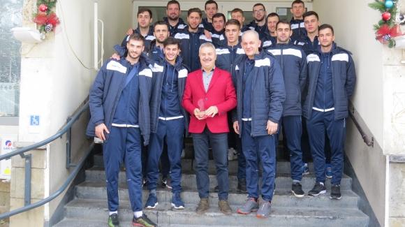 Волейболистите на Монтана гостуваха на кмета Златко Живков
