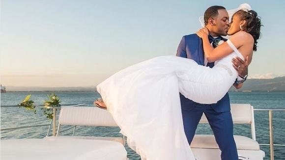 Ямайска атлетка мина под венчилото