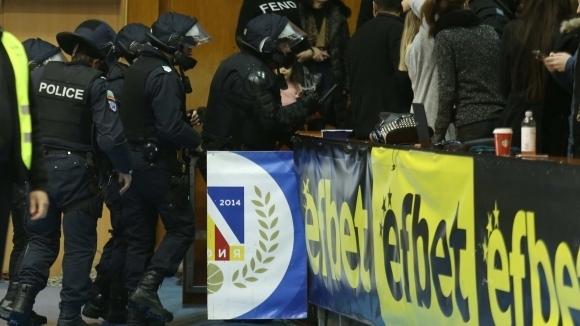 Министър Кралев: Трябва тотално нов закон за спортното хулиганство