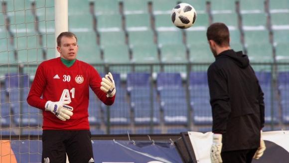 """""""Червените"""" уреждат контроли с чешкия шампион и седмия в Китай"""