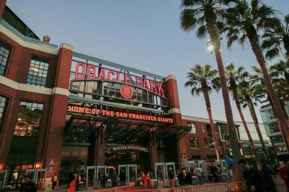 """Сан Франциско прекръсти стадиона на """"Оракъл Парк"""""""