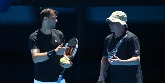 Григор излиза на корта в първия ден на Australian Open