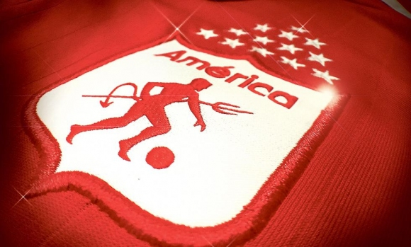 Феновете на Америка (Кали) се противопоставиха на промяната на емблемата на клуба