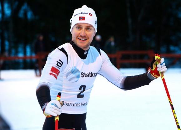 Норвежец се възползва от сблъсък във финала и дисквалификацията на Федерико Пелегрино