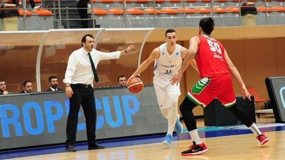 Йордан Минчев със силен мач при загуба на Истанбул ББ