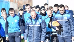 Черноморец (Бургас) започна подготовка с петима нови