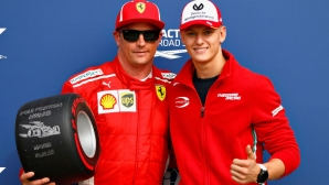 Мик Шумахер става тест пилот на Ферари?