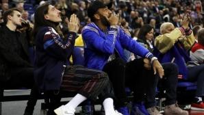 Футболно съзвездие гледа НБА в Лондон (галерия)