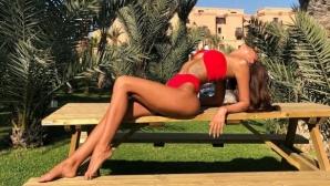 Горещо! Бивша на Божинов остави малко на въображението (снимки+видео)