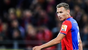 Фьодор Чалов подписа нов договор с родния си клуб