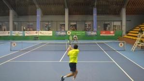 Ясни са полуфиналистите на държавното по тенис в зала