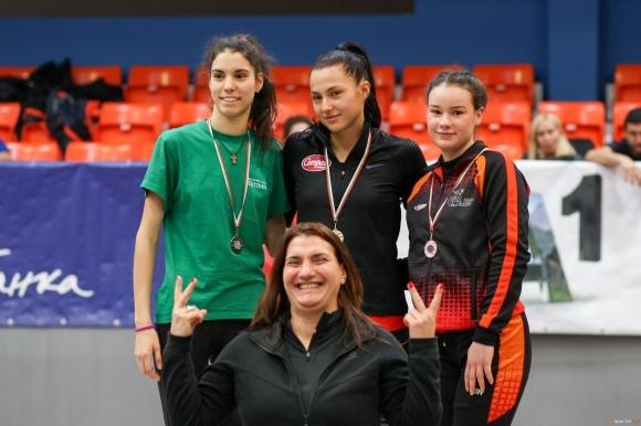 Ариана Кузманова скочи за №1 в света при девойките под 20 години в тройния скок