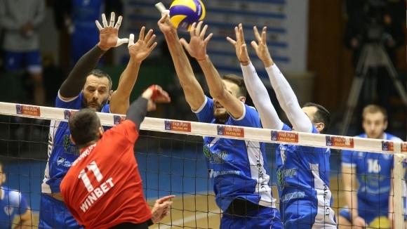 Левски удари ЦСКА във волейболното дерби на България (видео + галерия)