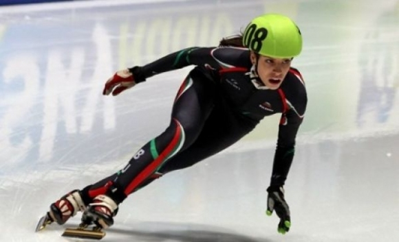 Катрин Маноилова се класира за четвъртфиналите на 1000 метра на СК по шорттрек