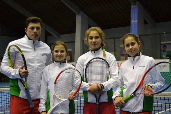 Момичетата на България до 12 г. са на финал на Европейската зимна купа
