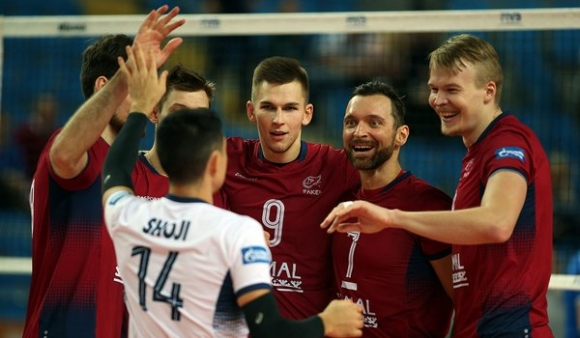 Факел приземи Зенит в Казан и нанесе първа загуба на шампионите в Русия (видео + снимки)