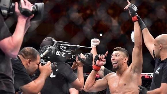 Джони Уокър се самопредложи за UFC 235