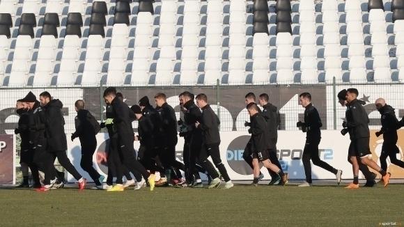 Посинкович, Ожболт и Абдулахи отпаднаха от групата на Локо (Пд) за мача с Левски
