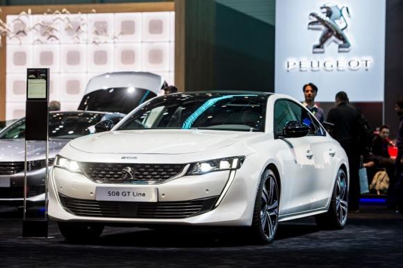 Peugeot се електрифицира през 2019 и променя слогана си