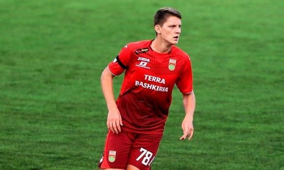 Уфа спря талантлив защитник за Арсенал, но го пусна в ЦСКА (М)