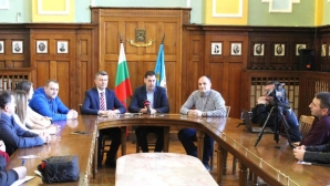 Кметът и Марица призоваха за подкрепа в последните две домакинства в Шампионска лига (видео)