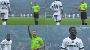 Вижте какво му се случи на този футболист след намесата на ВАР