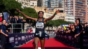 Хасан и Вандерс подобриха световните рекорди на 5 км на шосе